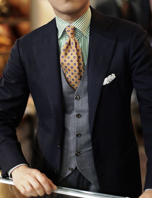 3-piece-tie-and-pocket-square-menswear